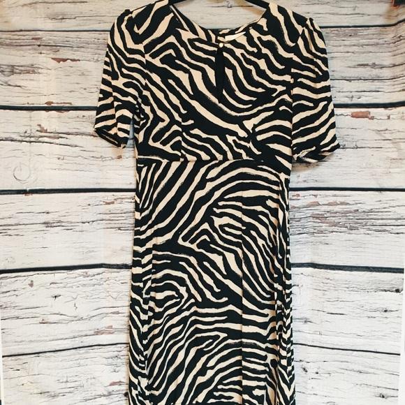 H&M Black/Tan Dress w/front keyhole detail. size4
